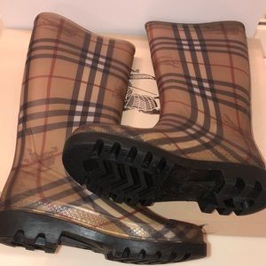 Authentic Burberry Classic Check Rainboots (36)